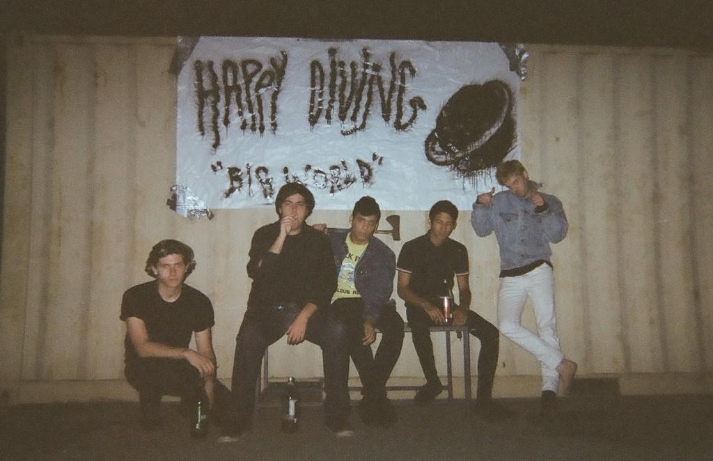happy-diving-big-world-promo-image