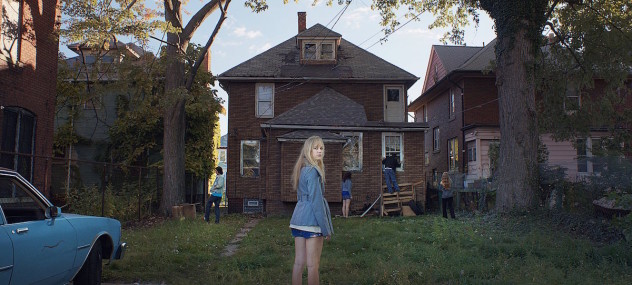 it-follows-2015-horror-film-image