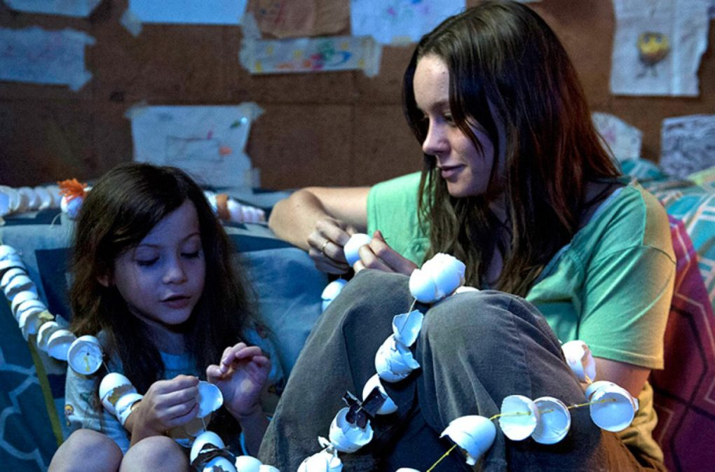 room-brie-larson-2015-film-novel