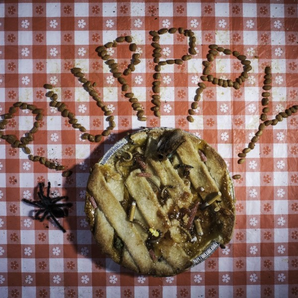 pupppy-shit-in-the-apple-pie